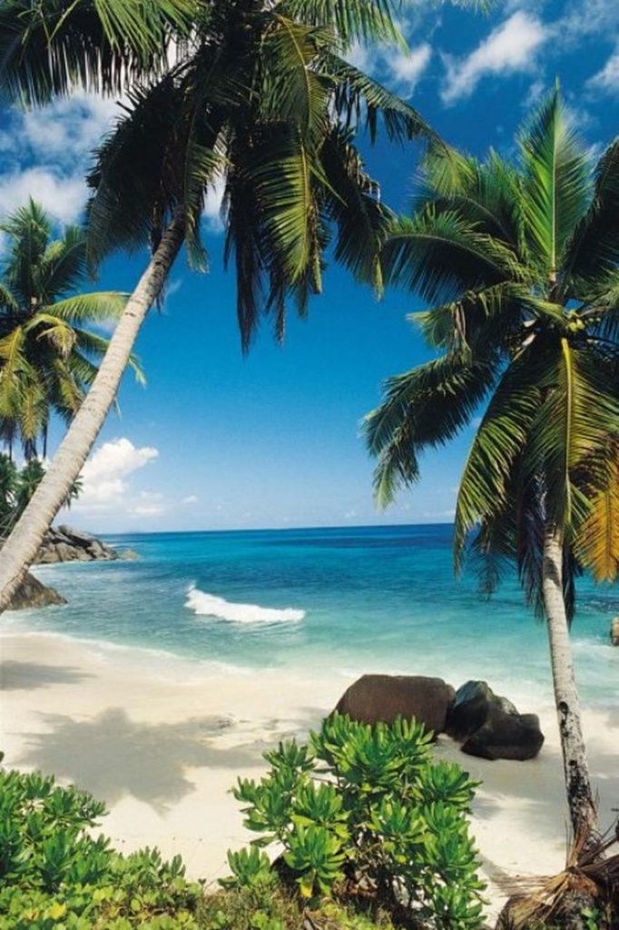 SANDY PARADISE ON EARTH: TOP 10 MOST BEAUTIFUL BEACHES № 1