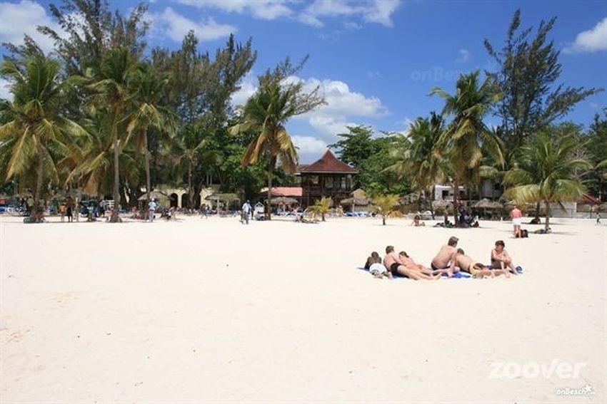 Eden bay nudist, rio san juan, puerto plata, dominican republic